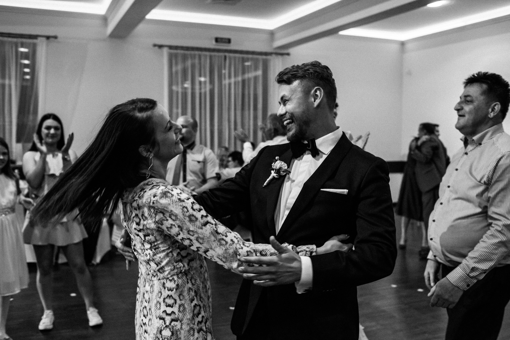 Iza i Dawid | Stylowy ślub z niesamowitą energią 89