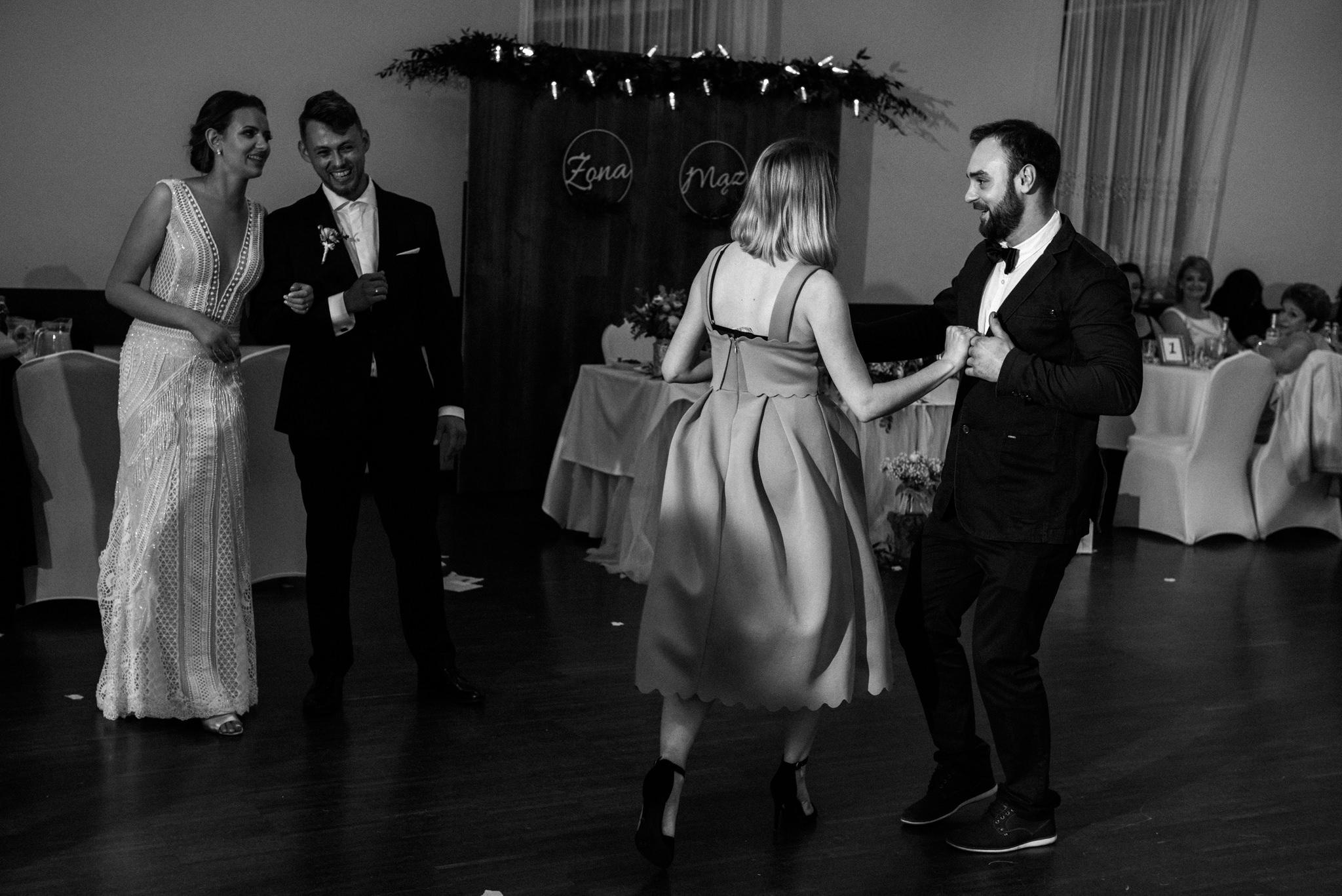 Iza i Dawid | Stylowy ślub z niesamowitą energią 94