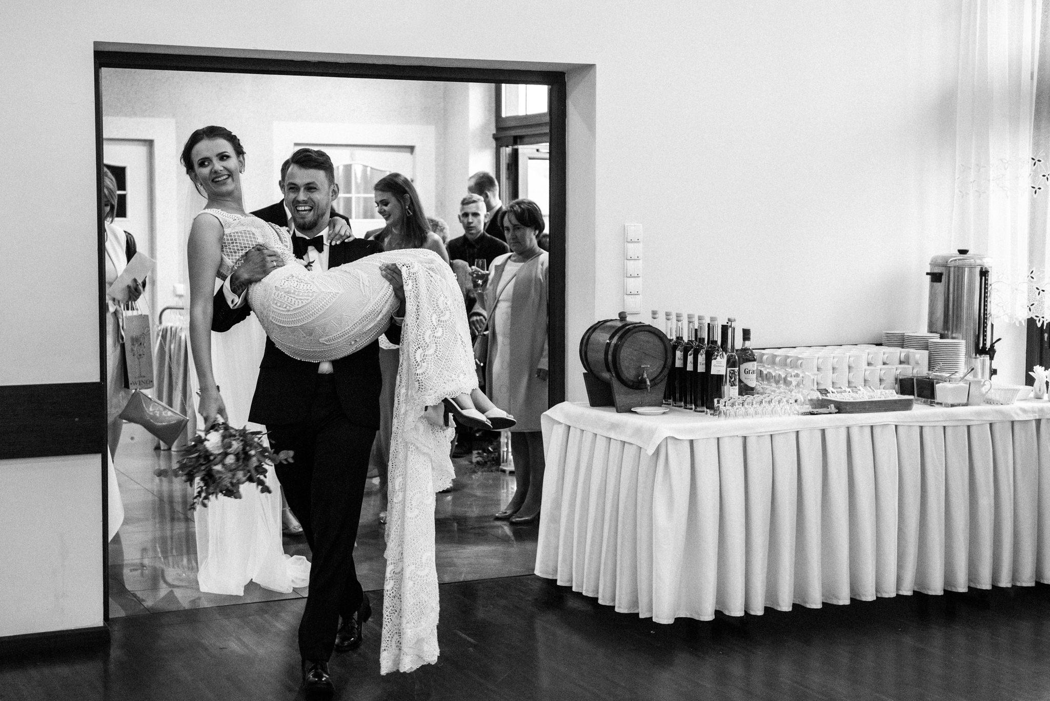 Iza i Dawid | Stylowy ślub z niesamowitą energią 60