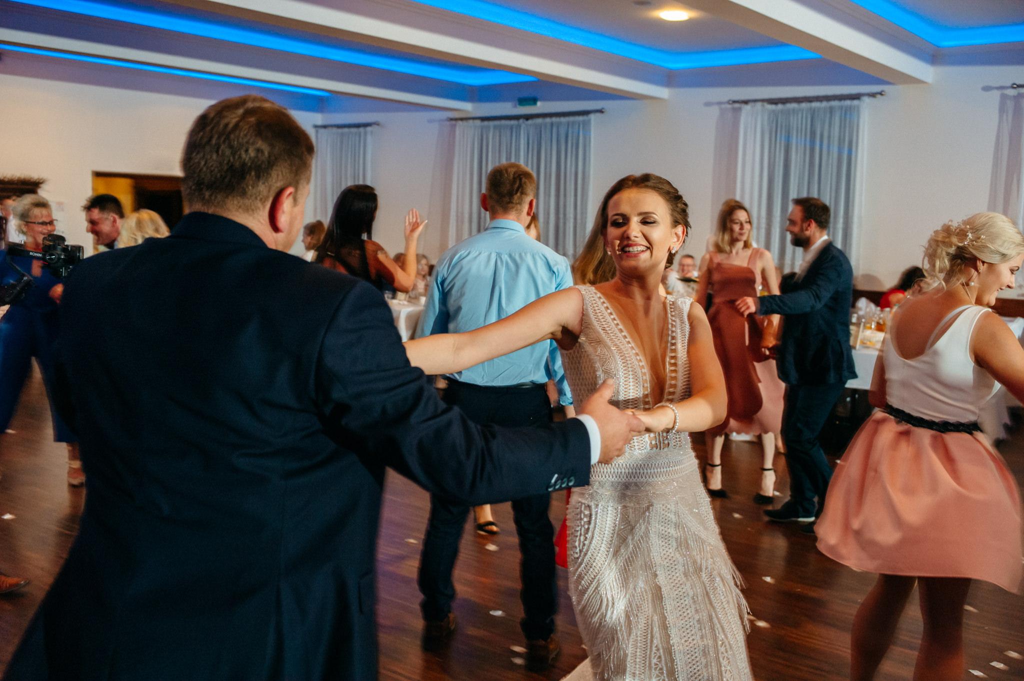 Iza i Dawid | Stylowy ślub z niesamowitą energią 75