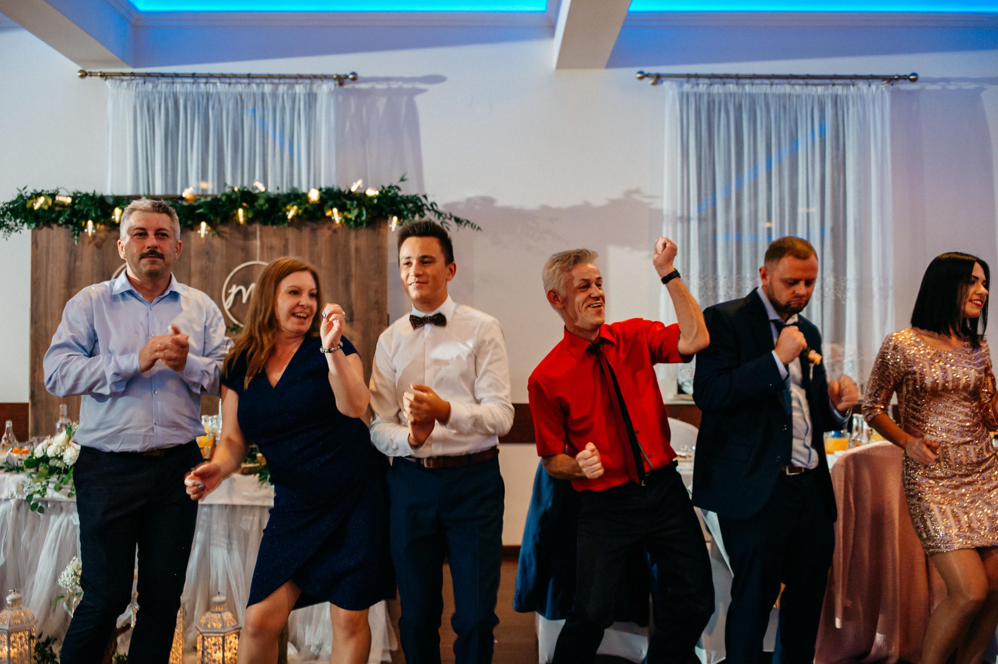 Iza i Dawid | Stylowy ślub z niesamowitą energią 80