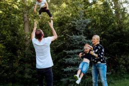 Zaskakujący pomysł na sesje rodzinną | spacer w Bieszczadach 10