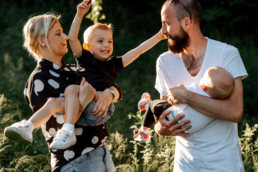 Zaskakujący pomysł na sesje rodzinną | spacer w Bieszczadach 15