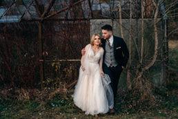 Sesja ślubna w opuszczonej szklarni | Ania i Maciek 96