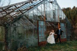 Sesja ślubna w opuszczonej szklarni | Ania i Maciek 12