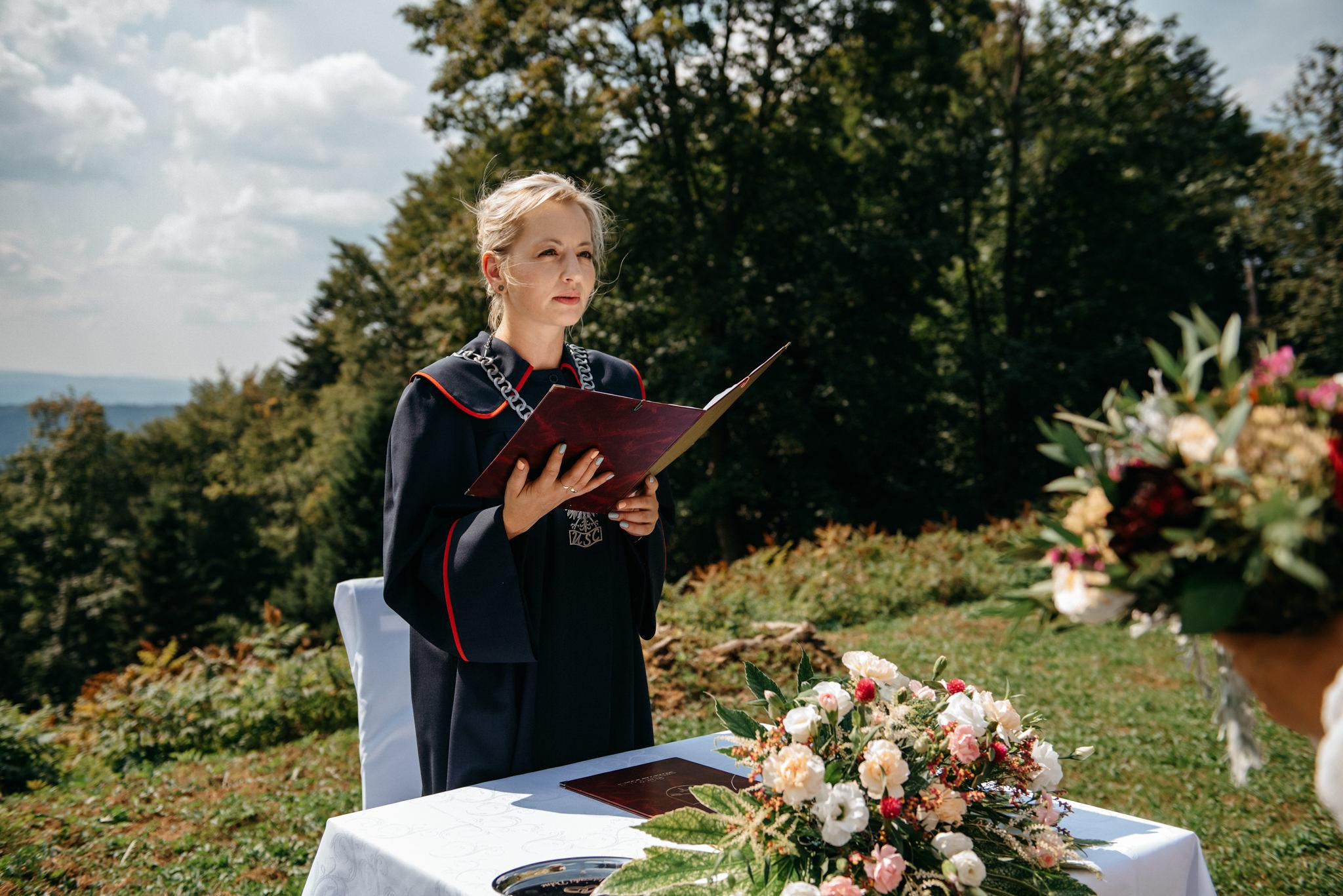 Plenerowy ślub w Bieszczadach | Karolina i Bartosz 25
