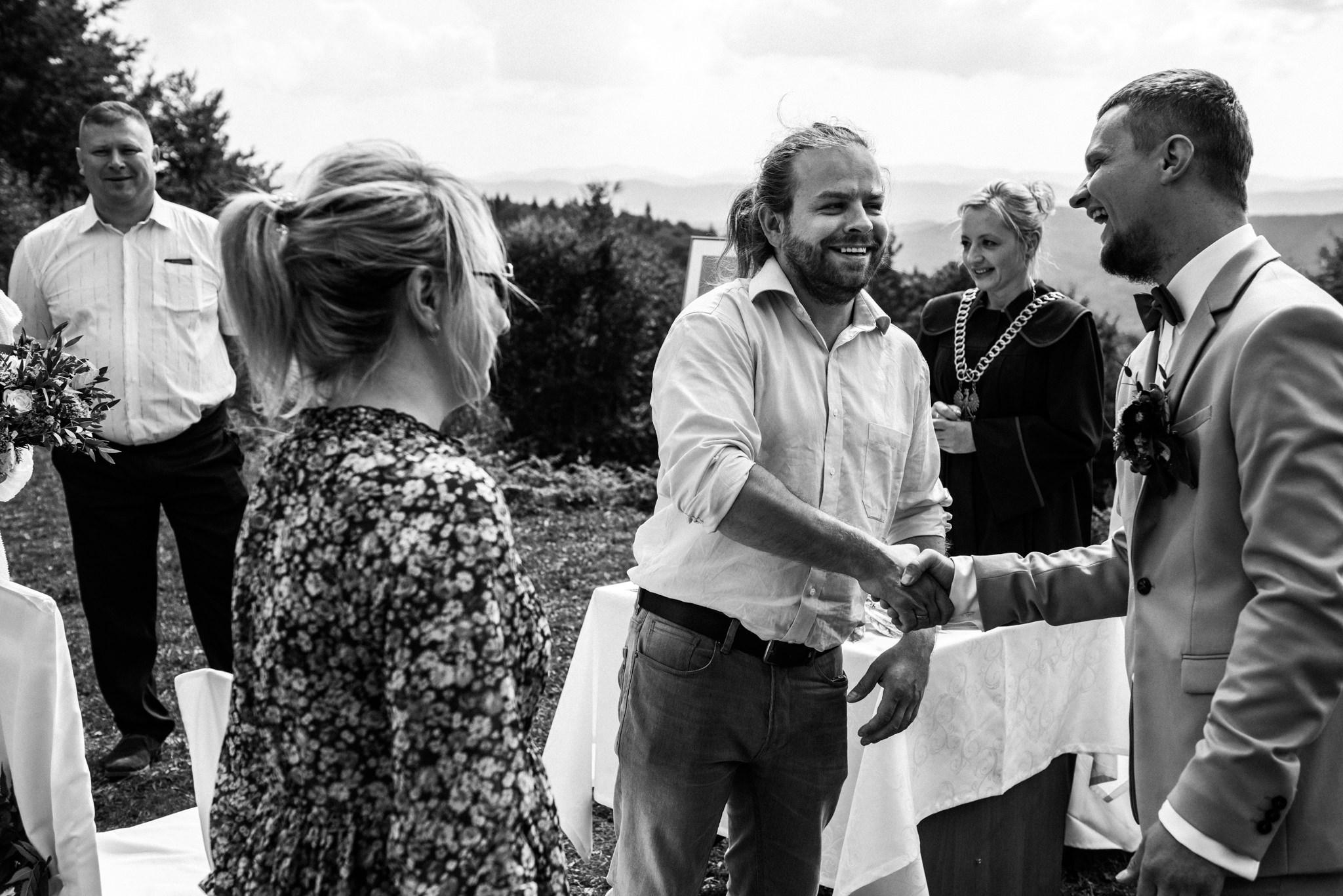 Plenerowy ślub w Bieszczadach | Karolina i Bartosz 33