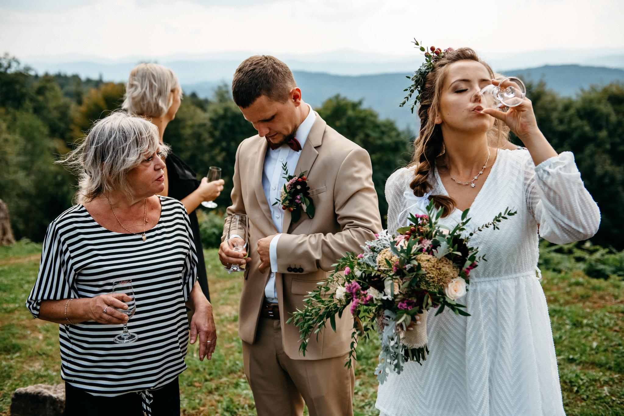 Plenerowy ślub w Bieszczadach | Karolina i Bartosz 39
