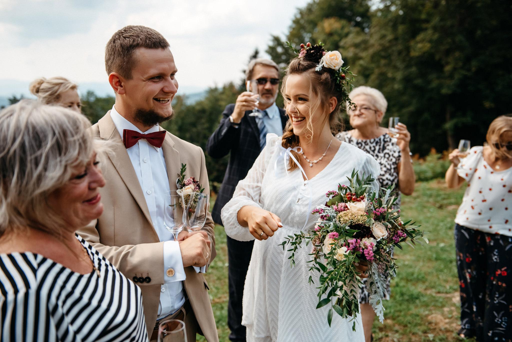 Plenerowy ślub w Bieszczadach | Karolina i Bartosz 40
