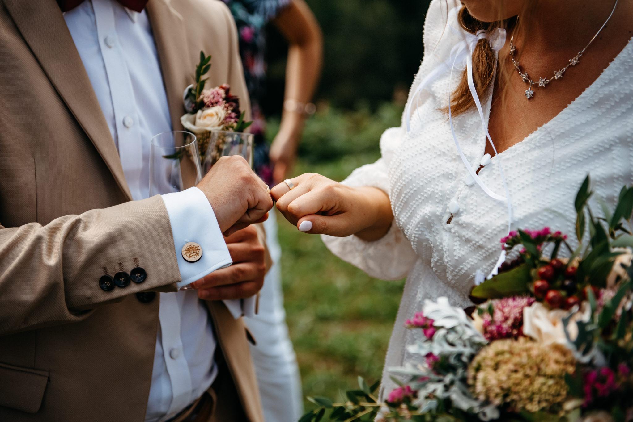 Plenerowy ślub w Bieszczadach | Karolina i Bartosz 43