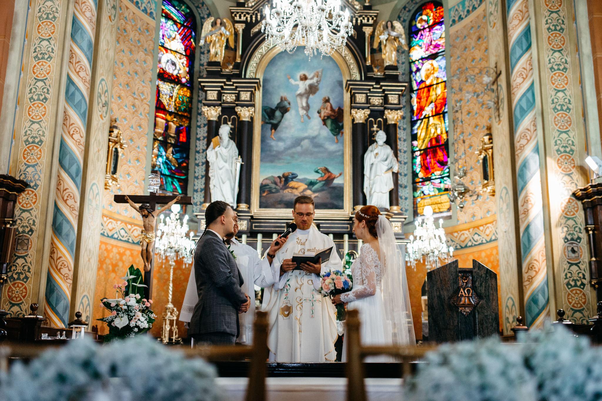 Bieszczadzki ślub Asi i Pawła | Chutor Kozacki w Łukowem 15