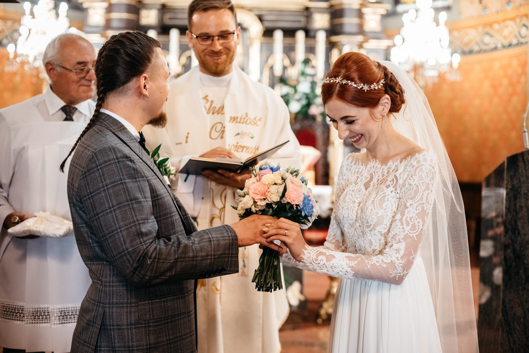 Bieszczadzki ślub Asi i Pawła | Chutor Kozacki w Łukowem 16