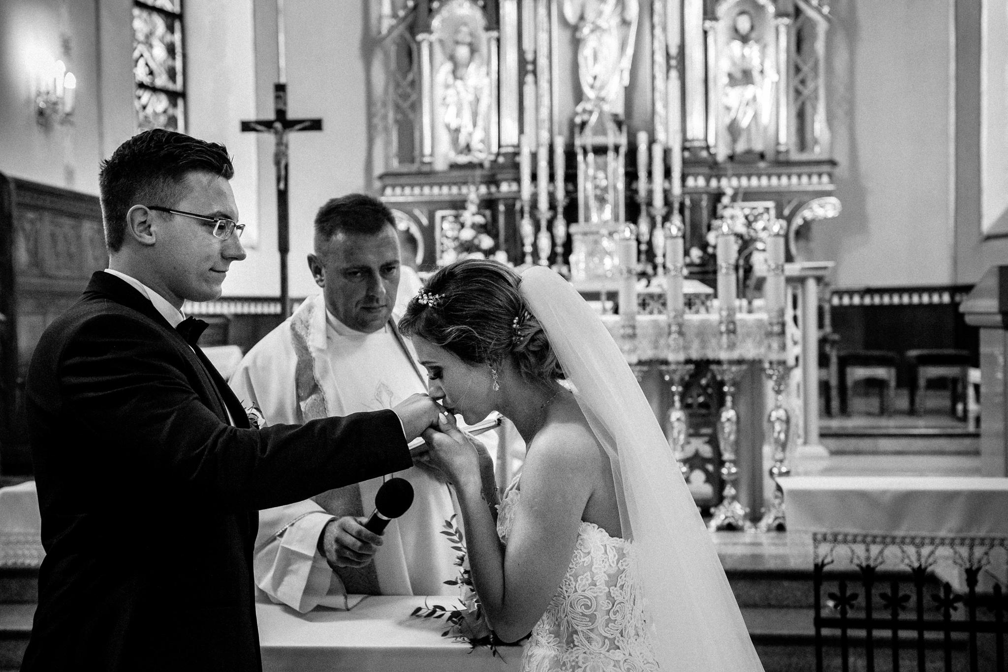 Przyjęcie ślubne Patrycji i Jakuba | Zajazd Pod Lipą 26