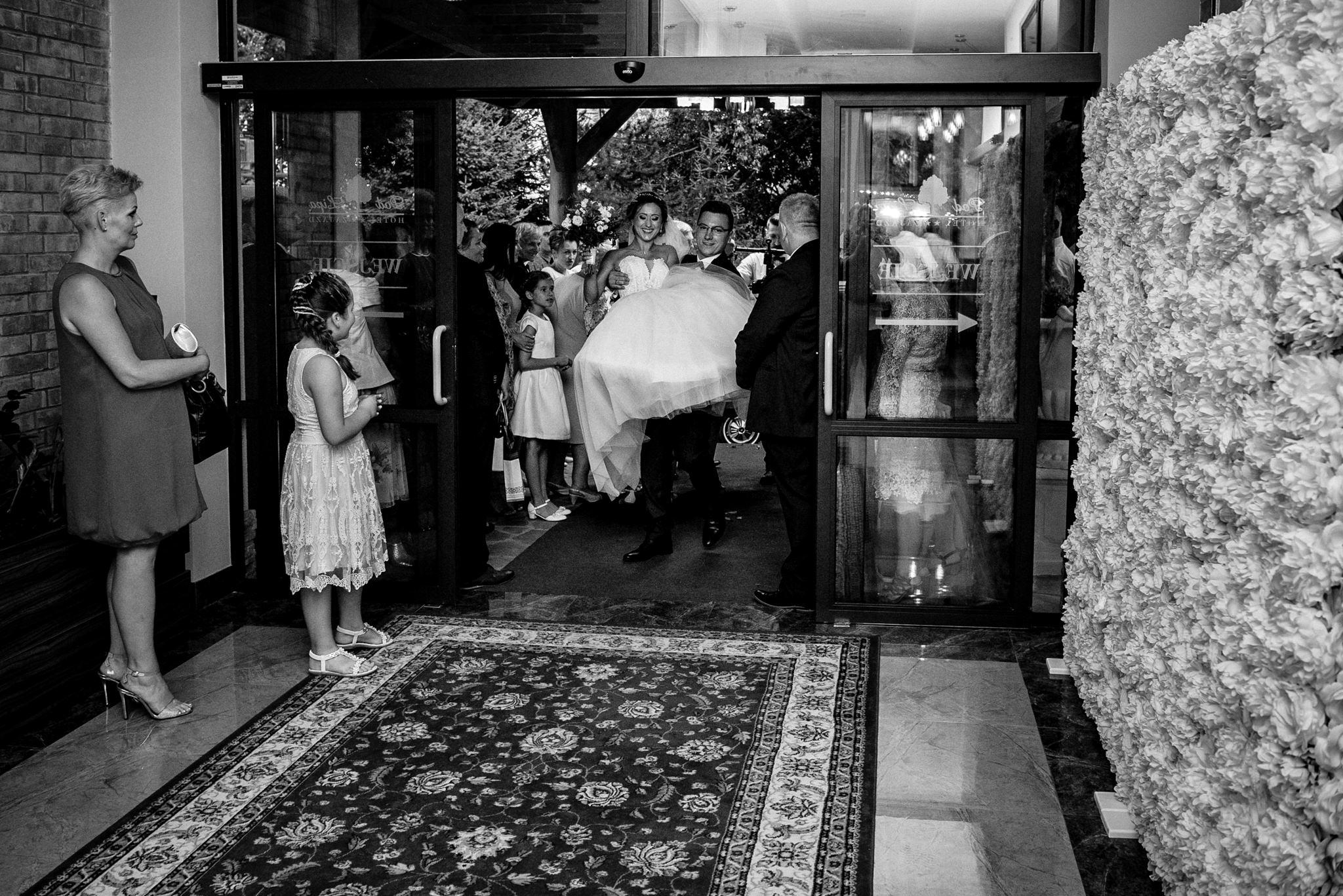 Przyjęcie ślubne Patrycji i Jakuba | Zajazd Pod Lipą 36