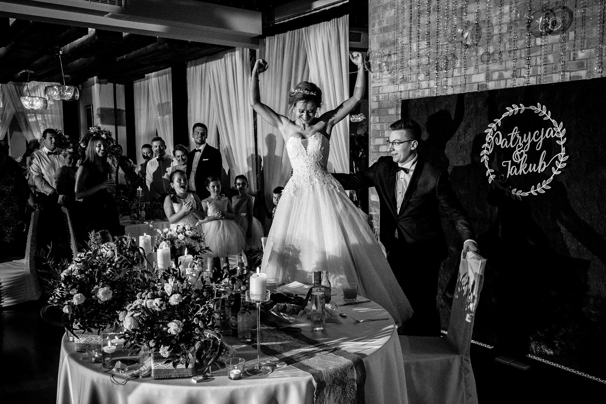 Przyjęcie ślubne Patrycji i Jakuba | Zajazd Pod Lipą 44