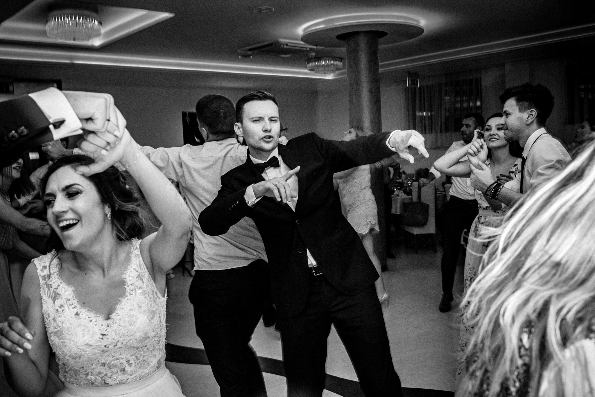 Szczególny ślub Karoliny i Tomka | hotel Forest 59