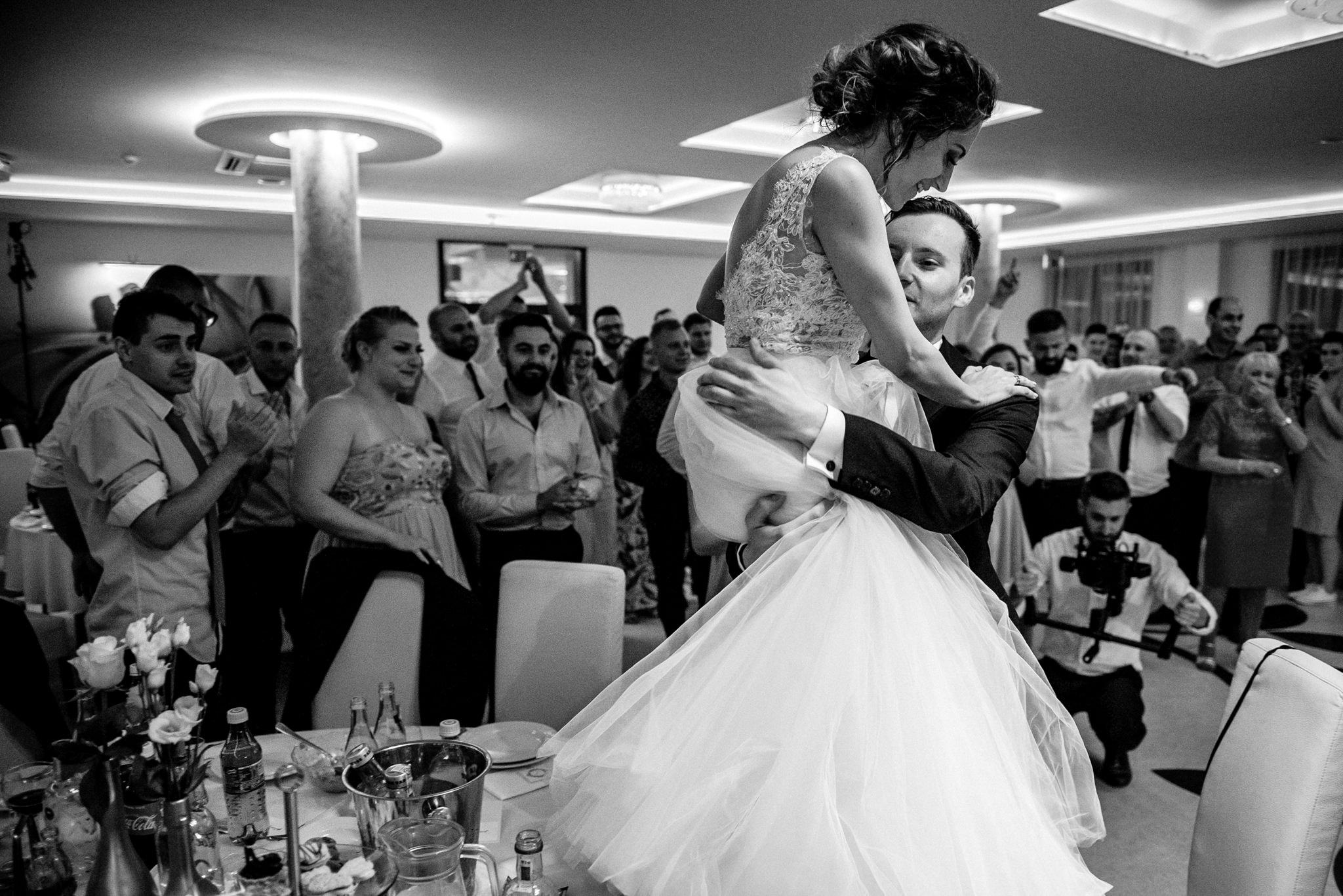 Szczególny ślub Karoliny i Tomka | hotel Forest 68