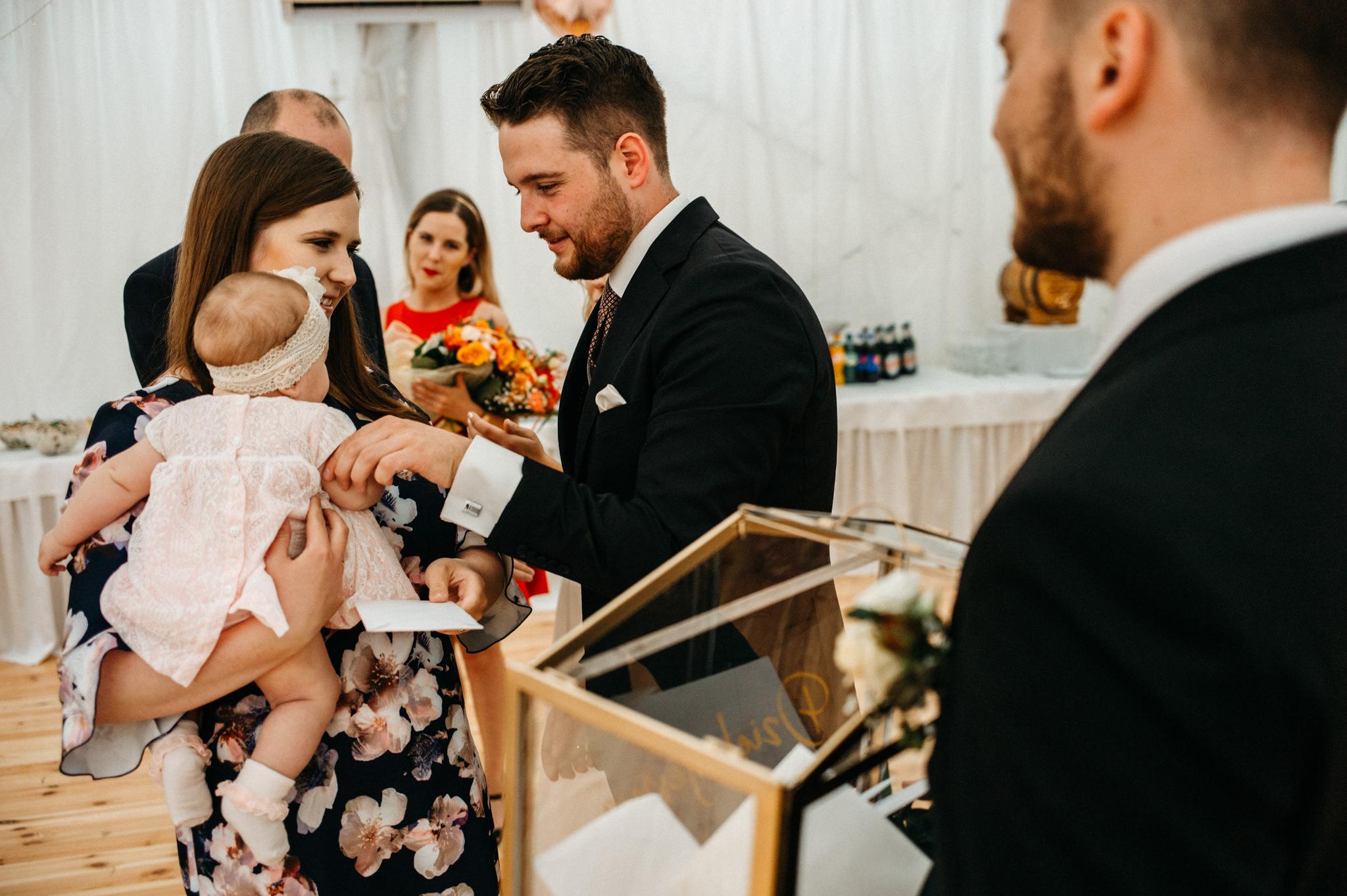 Plenerowe wesele w namiocie Ani i Maćka   Pałac w Olszanicy 60