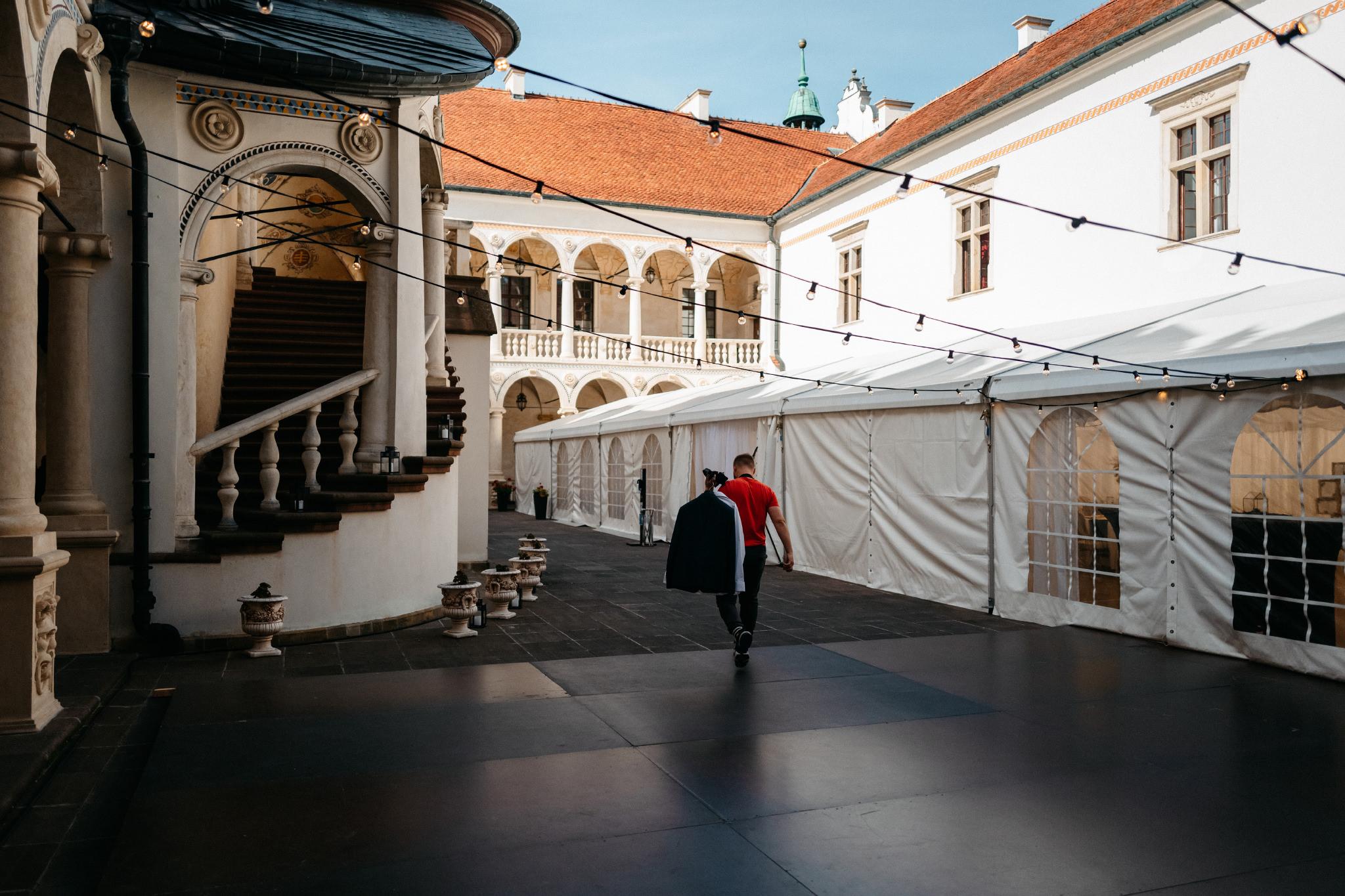 Plenerowy ślub na Zamku w Baranowie Sandomierskim 17