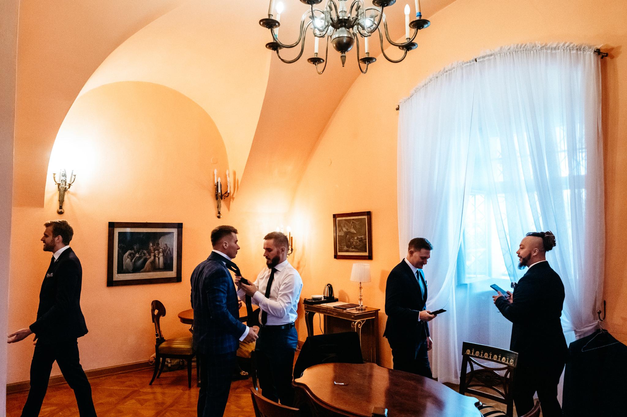 Plenerowy ślub na Zamku w Baranowie Sandomierskim 23