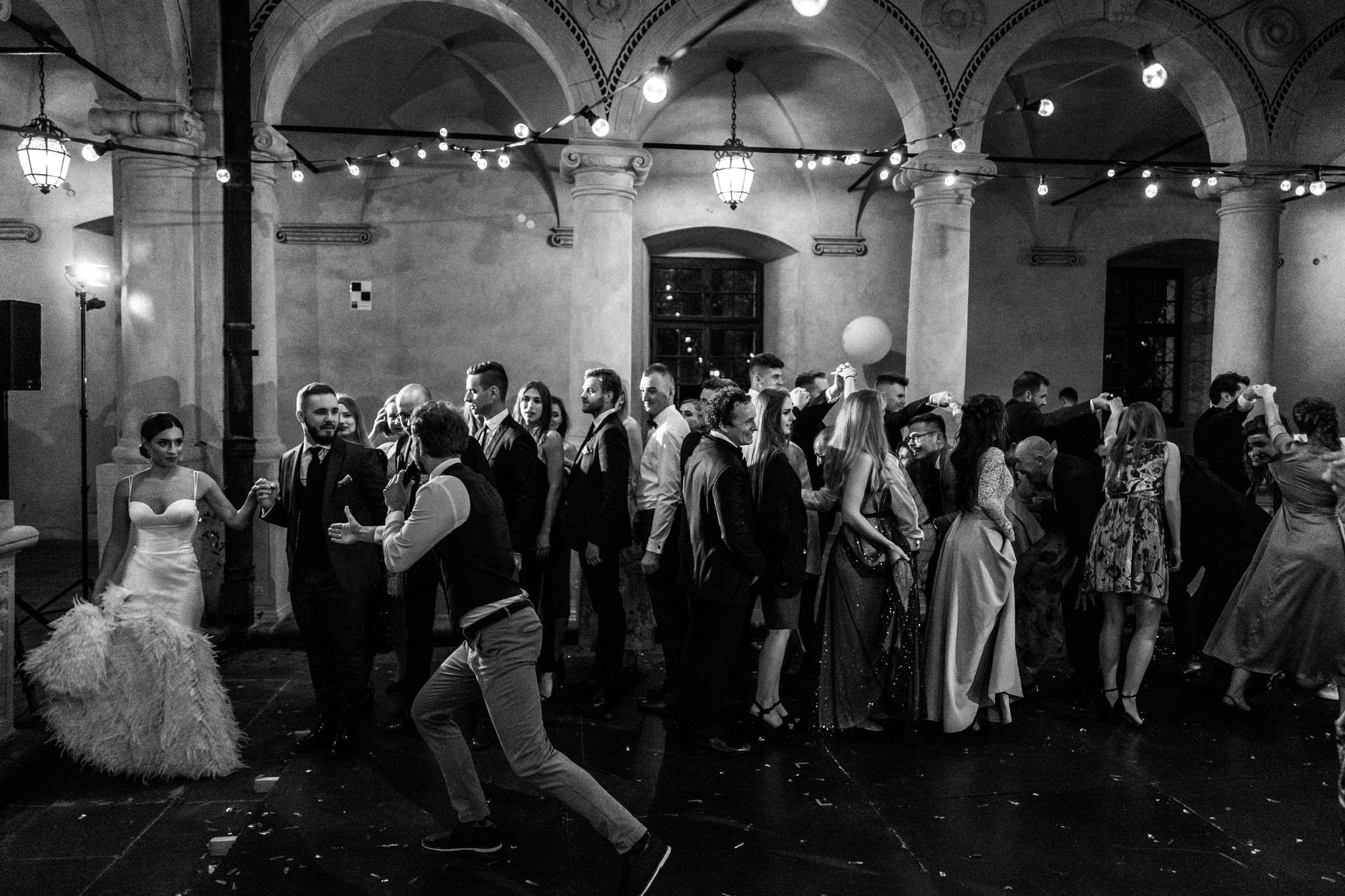 Plenerowy ślub na Zamku w Baranowie Sandomierskim 173