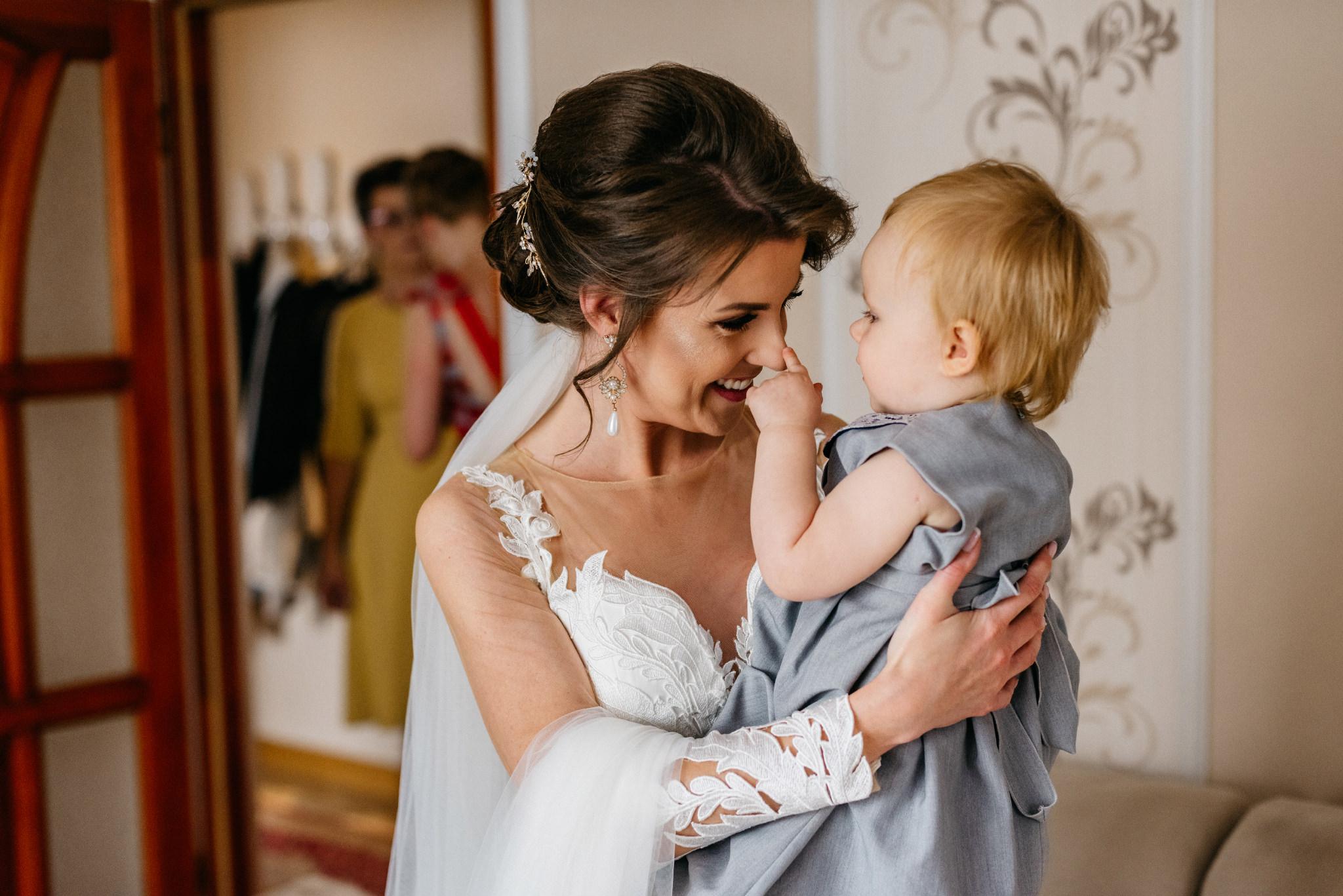 Jeden czy dwóch fotografów na ślub? | Wesele w Dworku Krościenko Wyżne 11