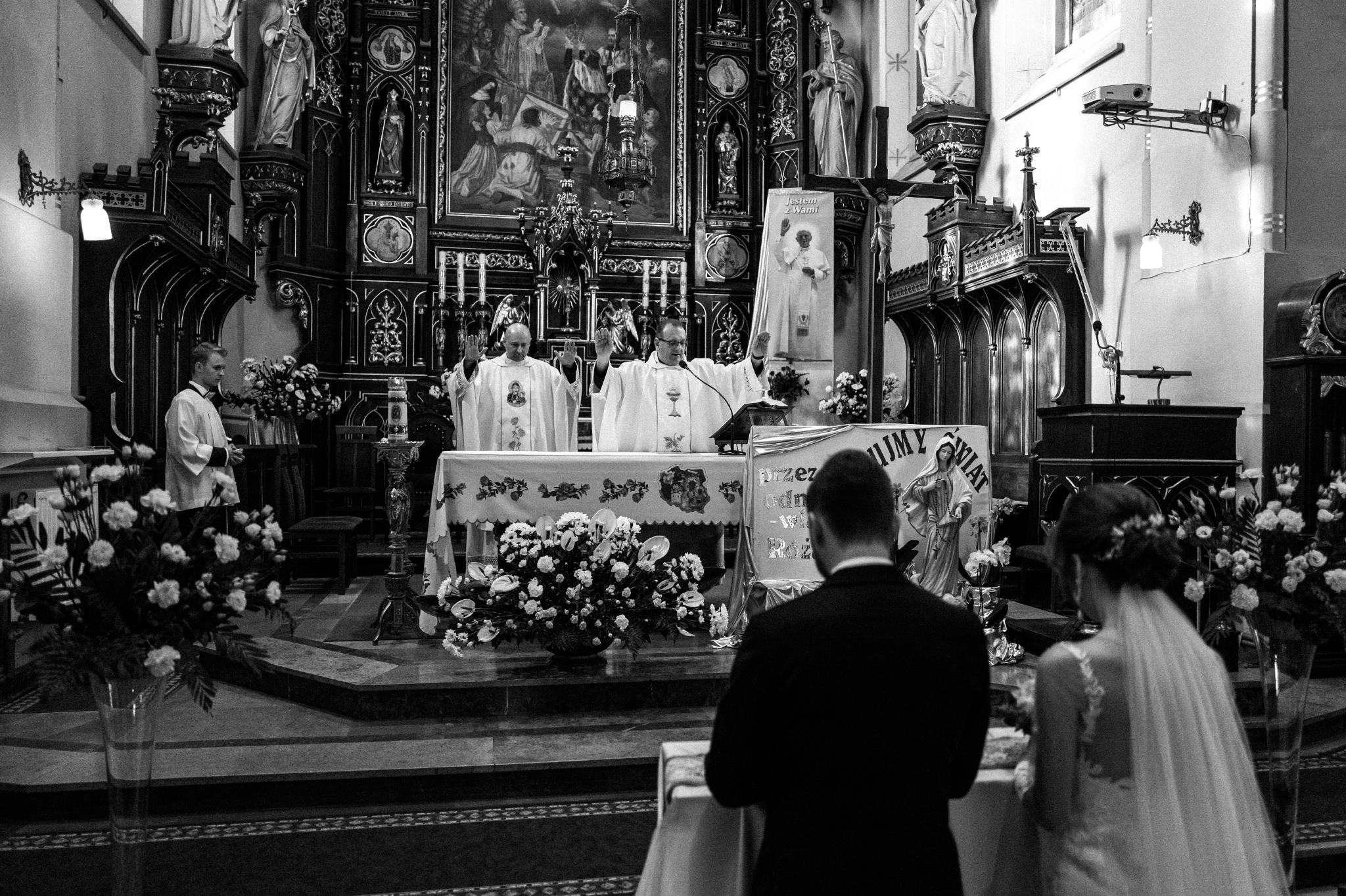Jeden czy dwóch fotografów na ślub? | Wesele w Dworku Krościenko Wyżne 21