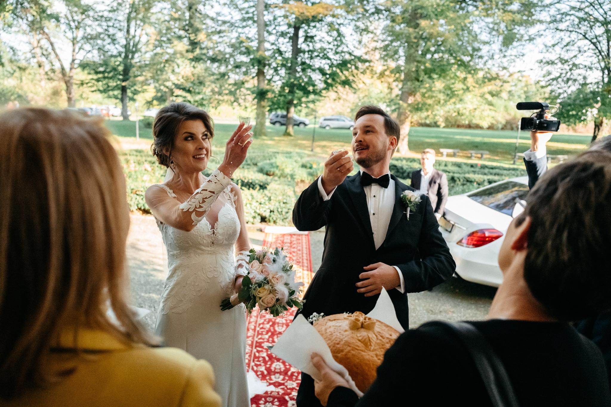 Jeden czy dwóch fotografów na ślub? | Wesele w Dworku Krościenko Wyżne 34