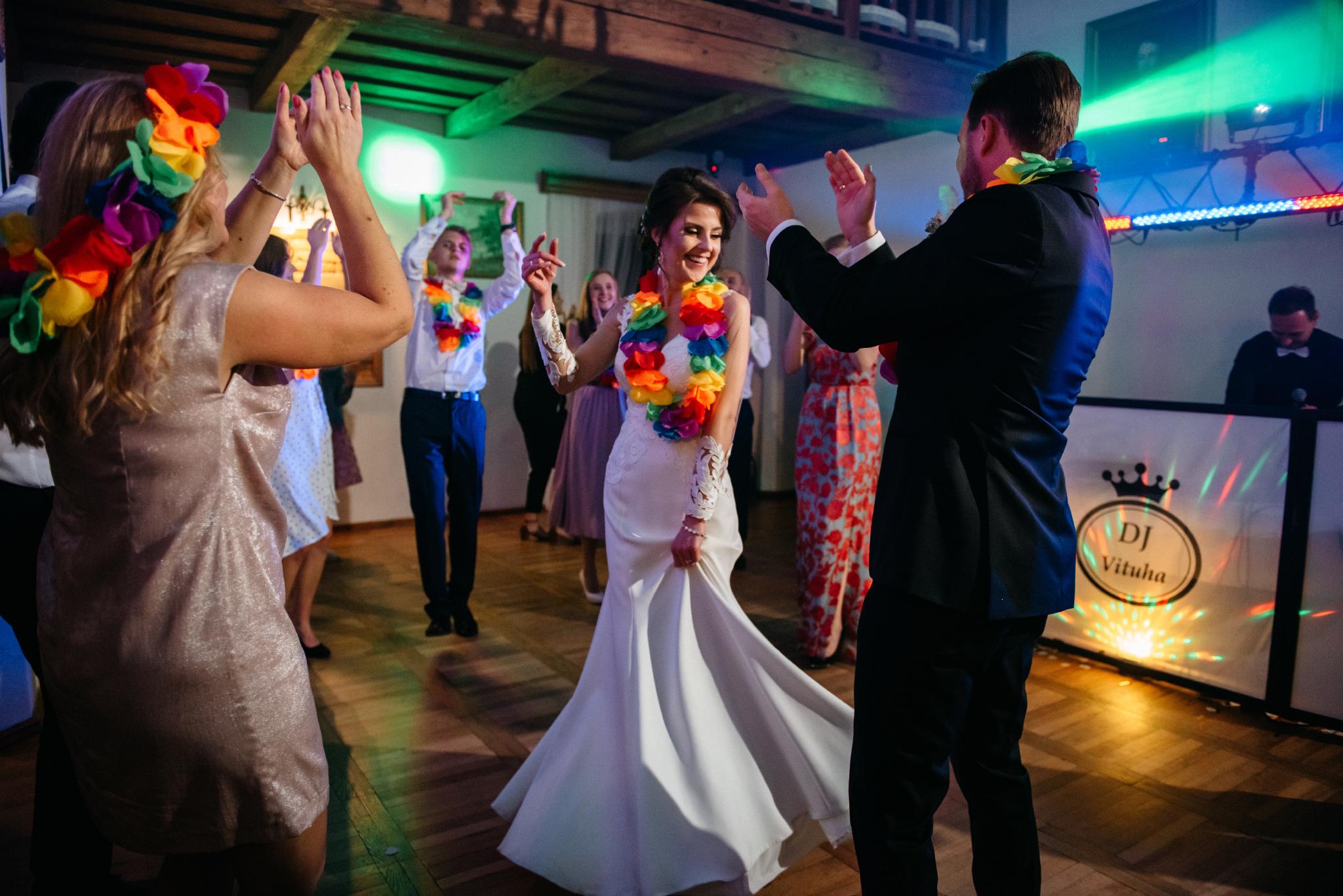 Jeden czy dwóch fotografów na ślub? | Wesele w Dworku Krościenko Wyżne 47