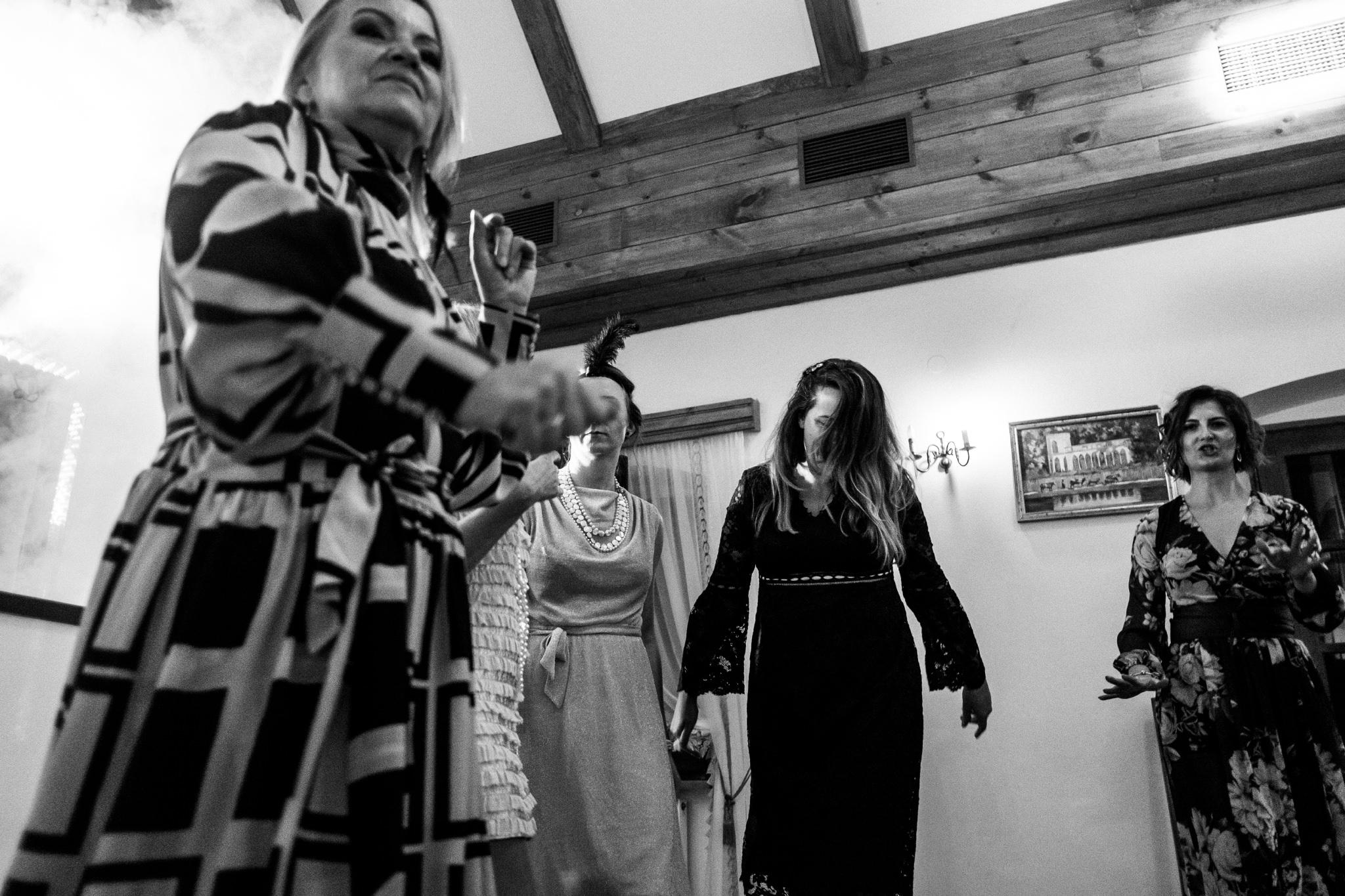Jeden czy dwóch fotografów na ślub? | Wesele w Dworku Krościenko Wyżne 48