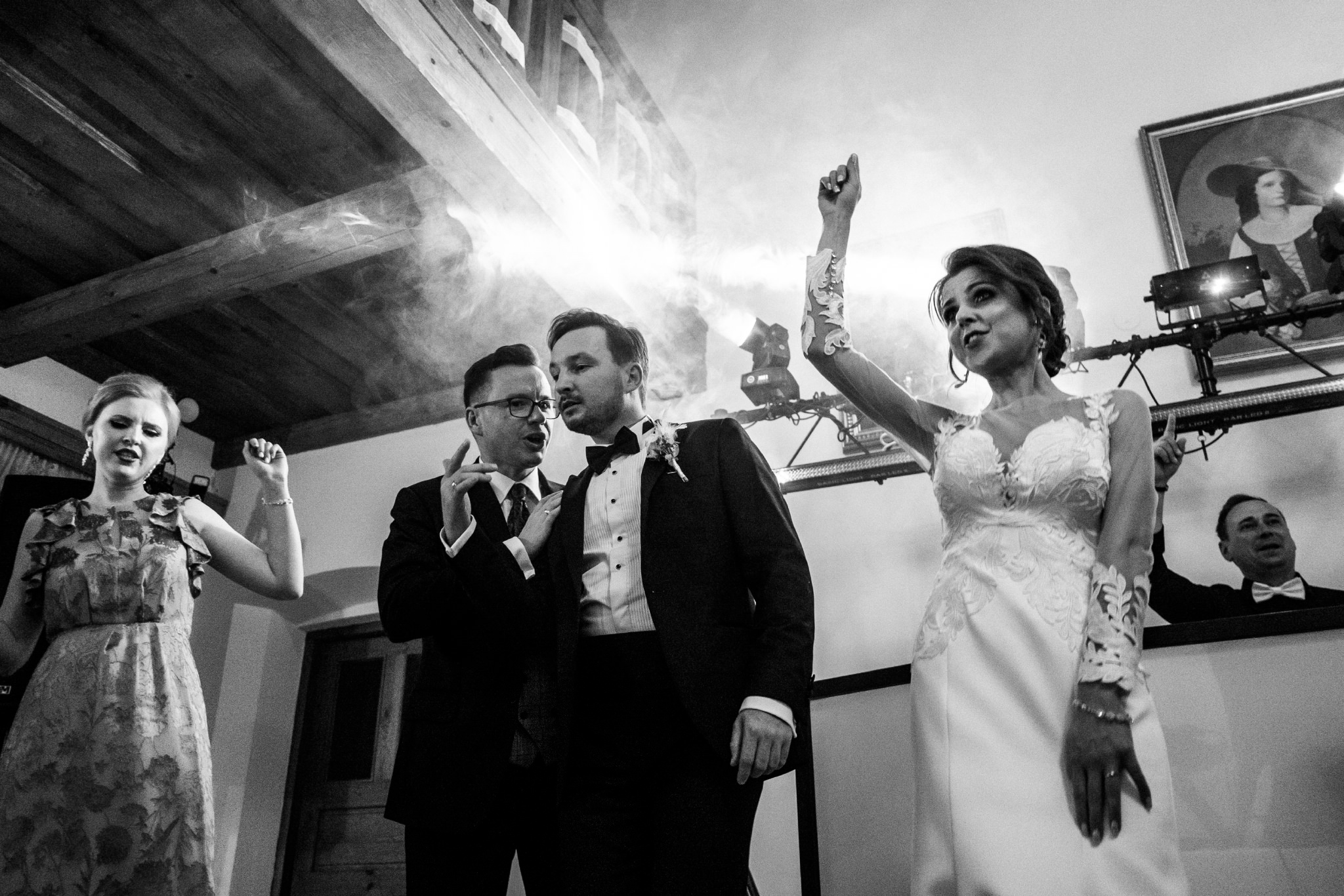Jeden czy dwóch fotografów na ślub? | Wesele w Dworku Krościenko Wyżne 50