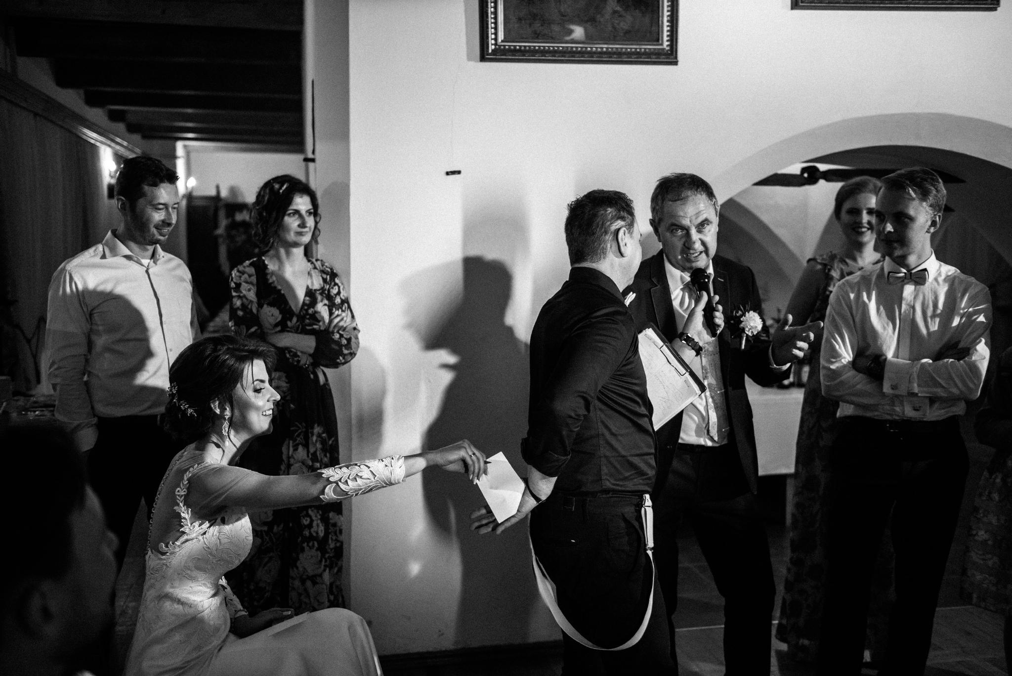 Jeden czy dwóch fotografów na ślub? | Wesele w Dworku Krościenko Wyżne 55