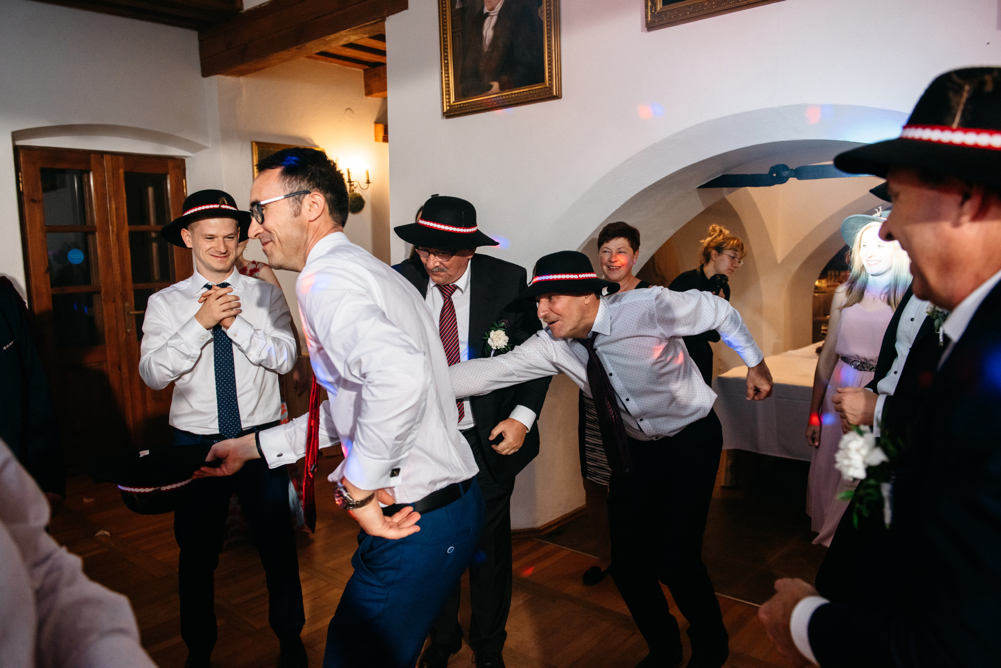 Jeden czy dwóch fotografów na ślub? | Wesele w Dworku Krościenko Wyżne 58